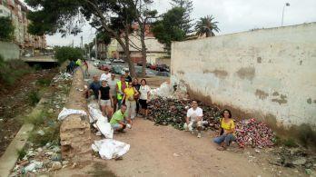 Limpieza de voluntarios de Guelaya