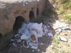 27-Escombros en azud