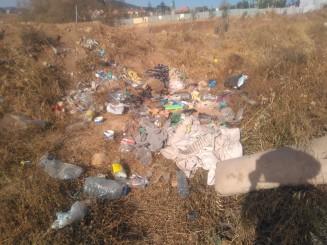 5-Ropa y botellas de plástico