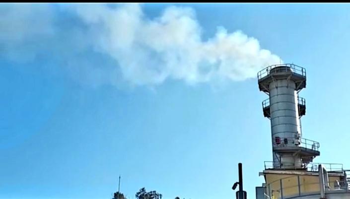 una sola chimenea, endesa contamina como gran combustión